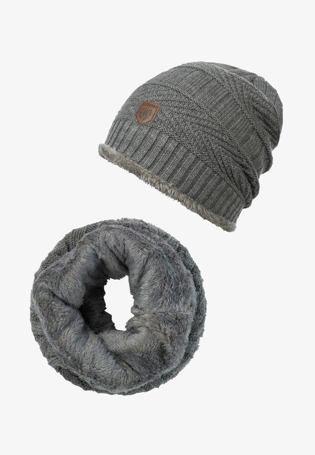 SET - Scarf - grey mix