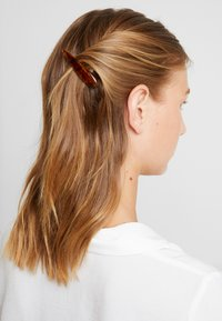 Topshop - AMBER SLIDE 2 PACK - Hair styling accessory - brown - 1