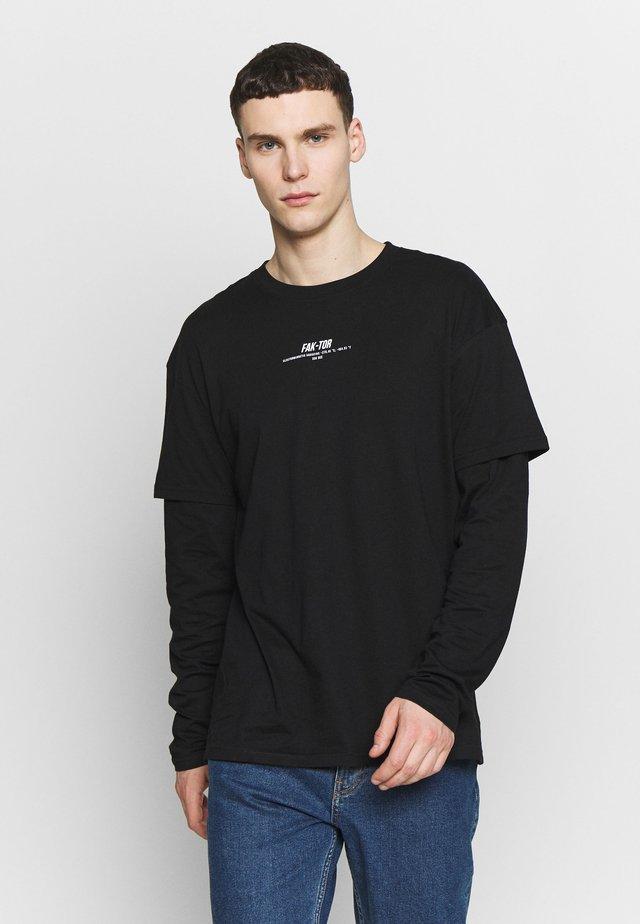 REVOLVE TEE - Long sleeved top - black