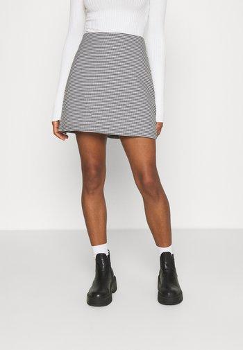 Mini skirt - white light