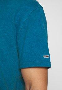Tommy Jeans - NOVEL VARSITY LOGO TEE - Print T-shirt - audacious blue - 5