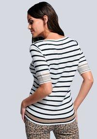 Alba Moda - Print T-shirt - off-white/schwarz/cognac - 2