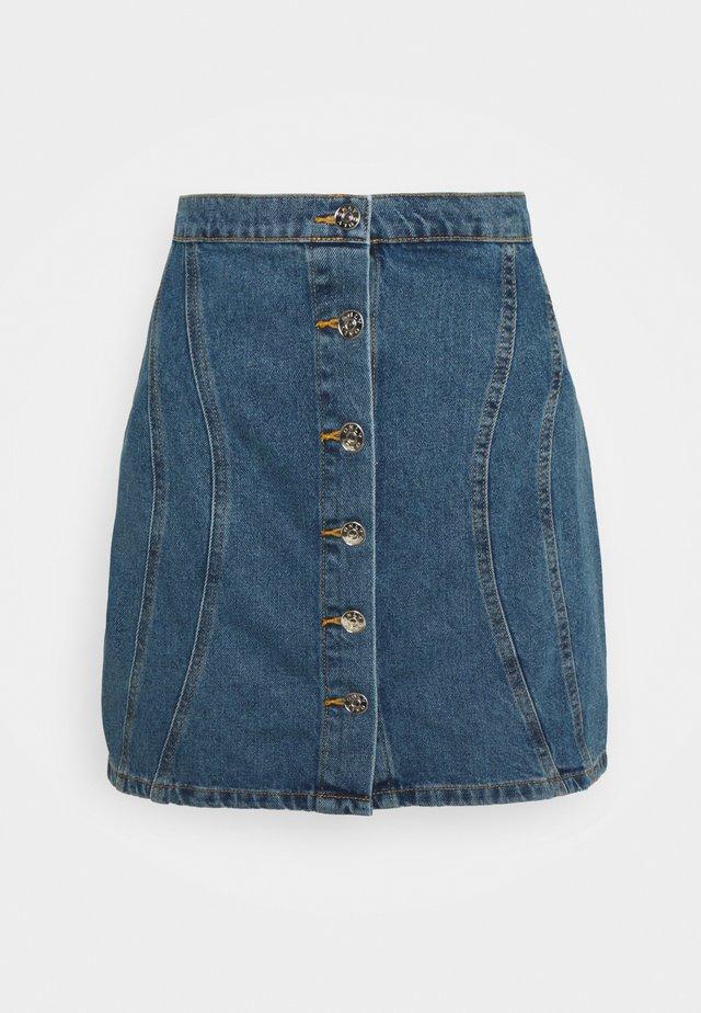 ONLRUBY LIFE PANEL - Minifalda - medium blue denim