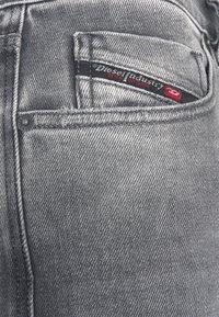 Diesel - D-STRUKT-A - Slim fit -farkut - grey denim - 6