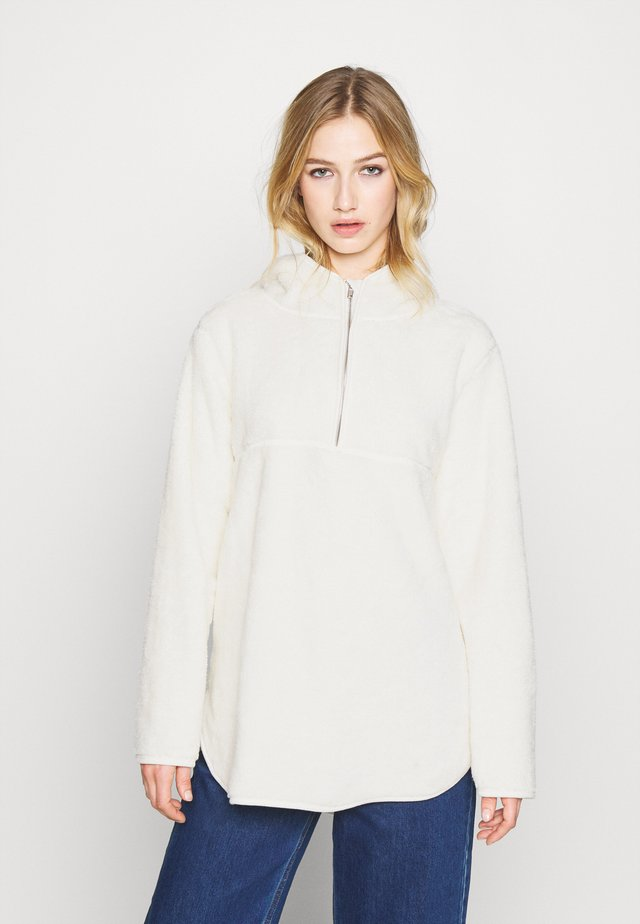 LONG TEDDY HOODIE - Jersey con capucha - white