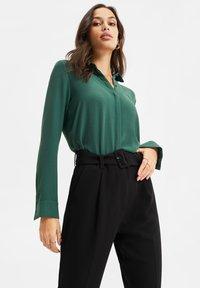 WE Fashion - Button-down blouse - green - 3
