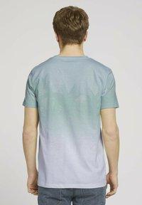 TOM TAILOR DENIM - T-shirt med print - mint palm photo print - 2