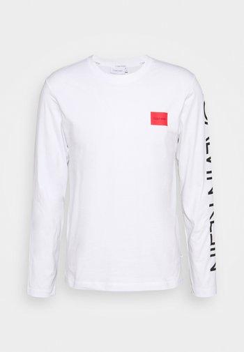 TEXT REVERSED LOGO - Pitkähihainen paita - white