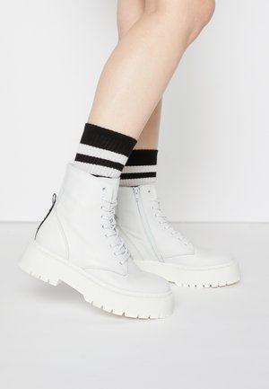 SKYLAR - Bottines à lacets - white