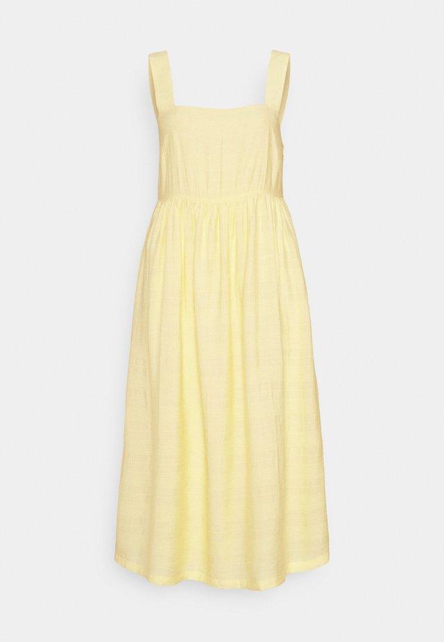 ISLA DRESS - Vardagsklänning - lemon haze
