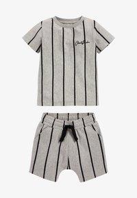 Next - SET - Shorts - grey - 1