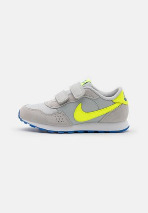 VALIANT UNSEX - Sneakers - grey fog/volt/game royal/white