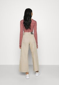 Dr.Denim - AIKO CROPPED - Jeans relaxed fit - cashew - 2