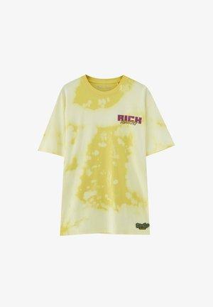 RICK & MORTY  - Print T-shirt - yellow