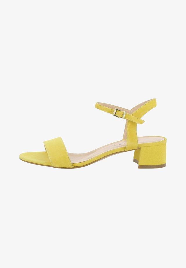 EVITA  - Sandali - yellow