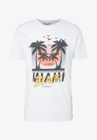 Jack & Jones - JORKALLO TEE CREW NECK - T-Shirt print - white - 4