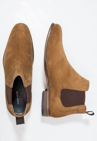 Pier One - LEATHER - Classic ankle boots - cognac - 1