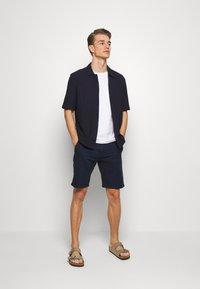 Lindbergh - Shorts - dark blue - 1