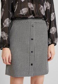 comma - KURZ - Mini skirt - houndstooth blazer - 4