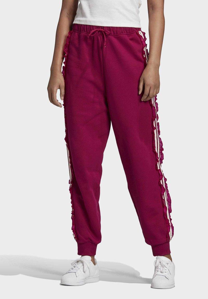 adidas Originals - BELLISTA SPORTS INSPIRED JOGGER PANTS - Pantalon de survêtement - power berry