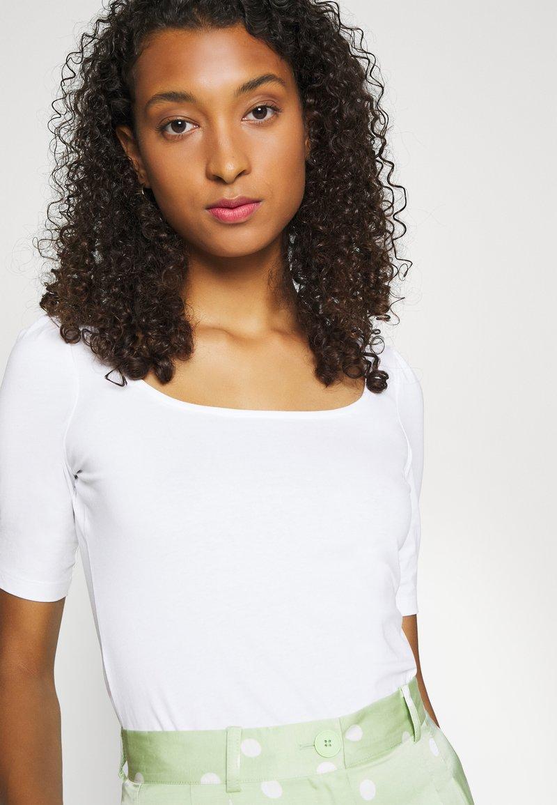 Even&Odd - Jednoduché triko - white