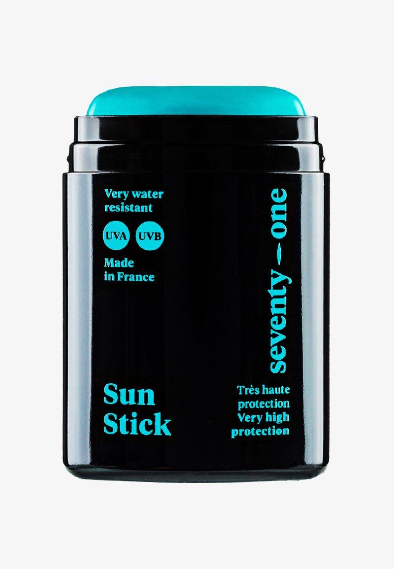 Seventyonepercent - SUN STICK GREEN ROOM - SPF50+ - Sun protection - -