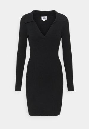 JUNE DRESS - Pletené šaty - black