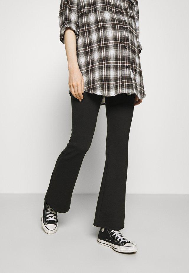 OLMFEVER STRETCH FLAIRED PANTS - Kalhoty - black