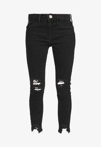 River Island Petite - PETITE MOLLY BAXTER - Slim fit jeans - black - 3