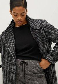 Violeta by Mango - MINIMAL - Classic coat - schwarz - 4