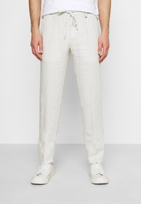 Marc O'Polo - TAPERED FIT PATCHED - Broek - distant grey - 0