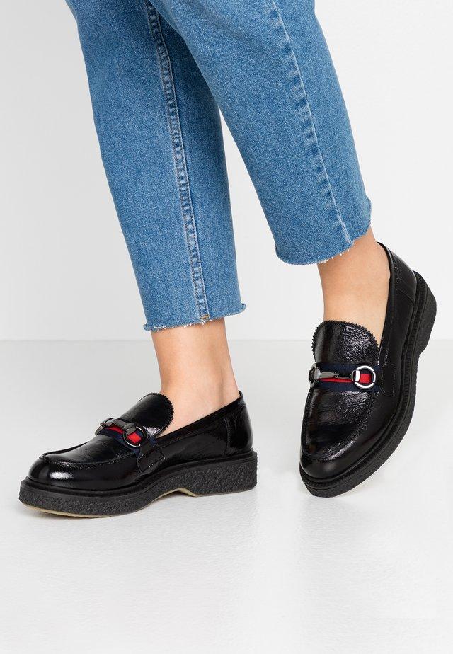 Scarpe senza lacci - nero