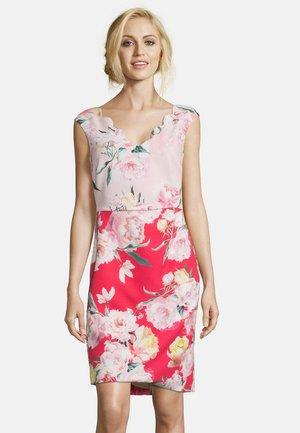 Shift dress - red/pink