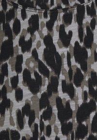 InWear - ALMA - Print T-shirt - ash grey - 2