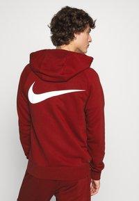 Nike Sportswear - HOODIE - Mikina na zip - team red - 2