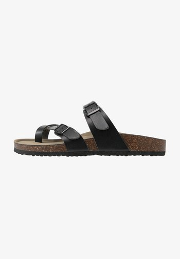 BRYCEEE - T-bar sandals - black paris