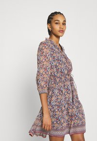 Vero Moda - VMBELLA DRESS - Denní šaty - ombre blue/bella - 3