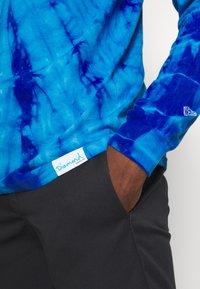 Diamond Supply Co. - CALAVERA TIE DYE TEE - Pitkähihainen paita - dark blue - 5