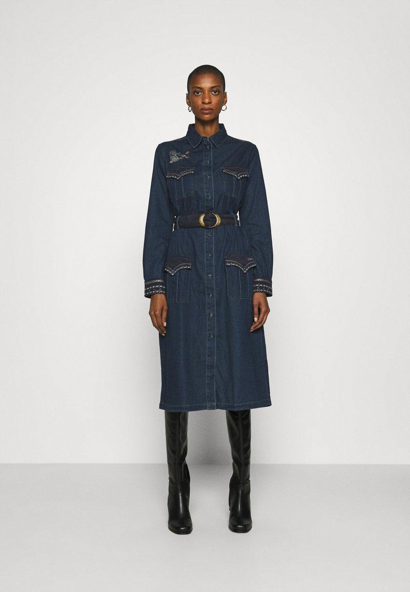 Desigual - VEST CASTIEL - Denim dress - denim medium