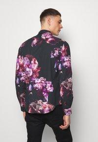 Twisted Tailor - CAVANAGH SHIRT - Camisa - black - 2