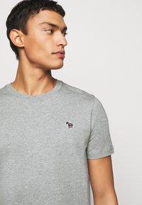 PS Paul Smith - SLIM FIT ZEBRA - Basic T-shirt - mottled grey - 4