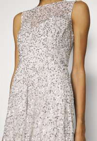 Maya Deluxe - ALL OVER EMBELLISHED MAXI DRESS WITH TRAIN - Iltapuku - soft grey - 4