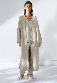 Massimo Dutti - Classic coat - beige - 0