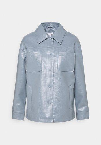 BOXY SHACKETT CROC - Faux leather jacket - blue