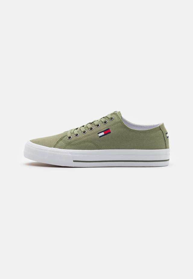 LONG LACE UP - Tenisky - clean green
