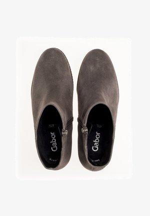 PLATEAU  - Classic ankle boots - grau