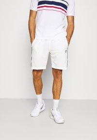 Sergio Tacchini - TENNIS YOUNGLINE SHORTS - Sports shorts - blanc de blanc/night sky - 0