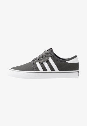 SEELEY - Skateboardové boty - ash/footwear white/core black