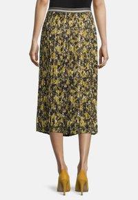 Betty Barclay - Pleated skirt - grün/schwarz - 2