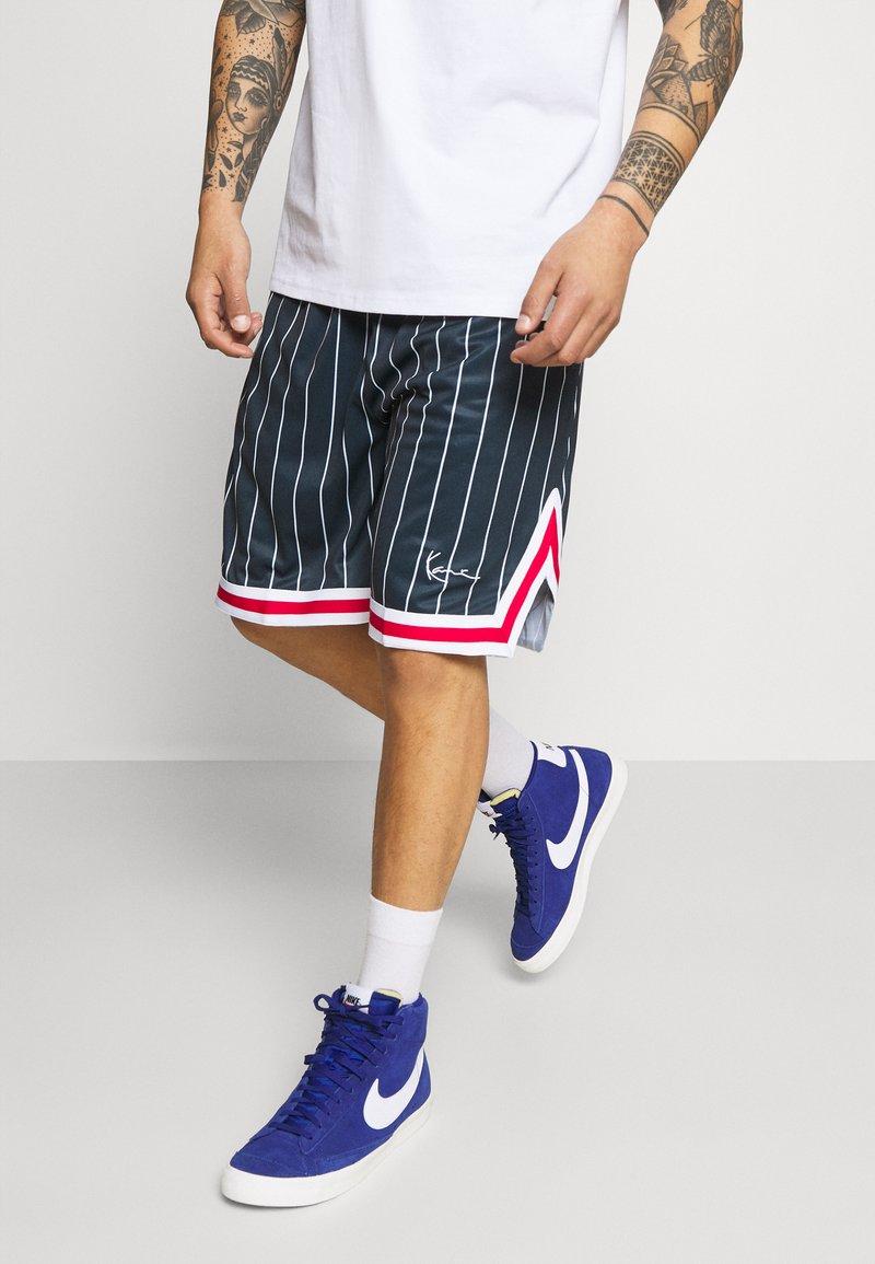 Karl Kani - SMALL SIGNATURE - Shorts - navy
